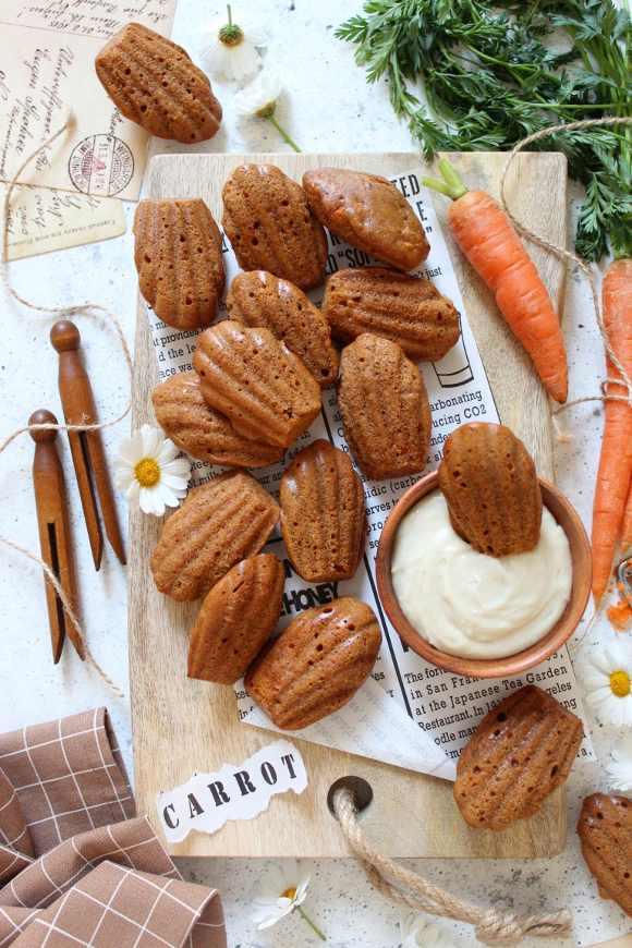 Madeleine carrot cake