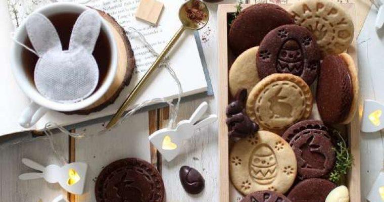 Biscotti con timbro a tema Pasquale vaniglia e cacao senza uova senza burro