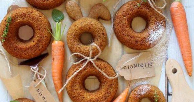 Ciambelle a forma di coniglietto alle carote e yogurt greco senza uova