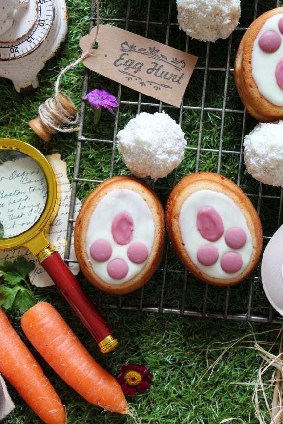 Tortine a forma di zampe coniglietto di Pasqua senza uova