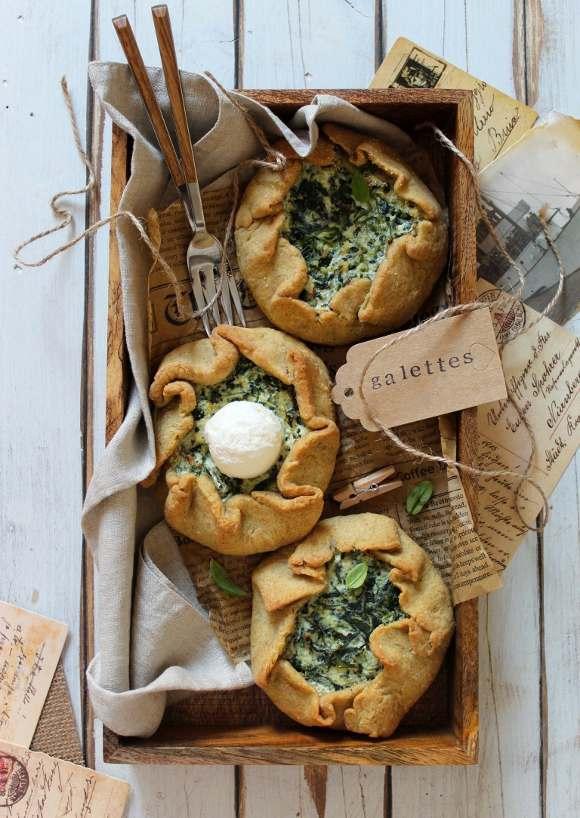 Mini Galettes salate ricotta senza lattosio e spinaci con olio evo