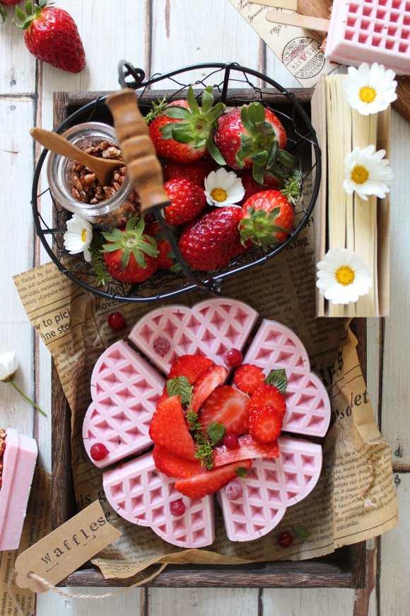 Frozen yogurt waffles alla fragola