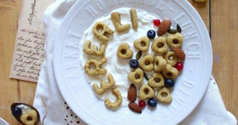 Cereali ciambelline a forma di cuore fatti in casa