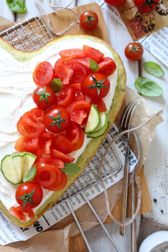 Sheet cake alle zucchine senza uova con crema al formaggio