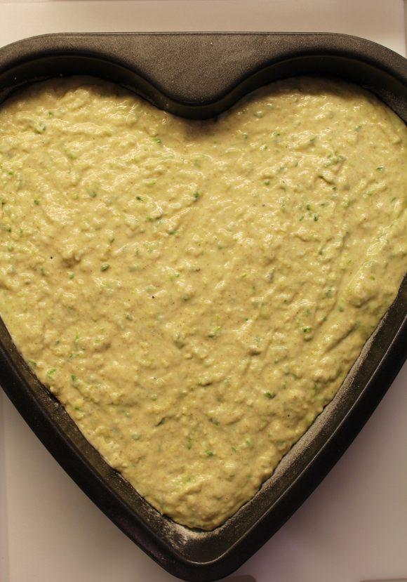 procedimento Torta salata Sheet cake alle zucchine senza uova con crema al formaggio