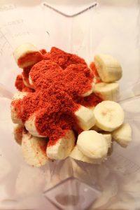 procedimento Frozen Smoothies al cucchiaio con banane e fragola liofilizzata