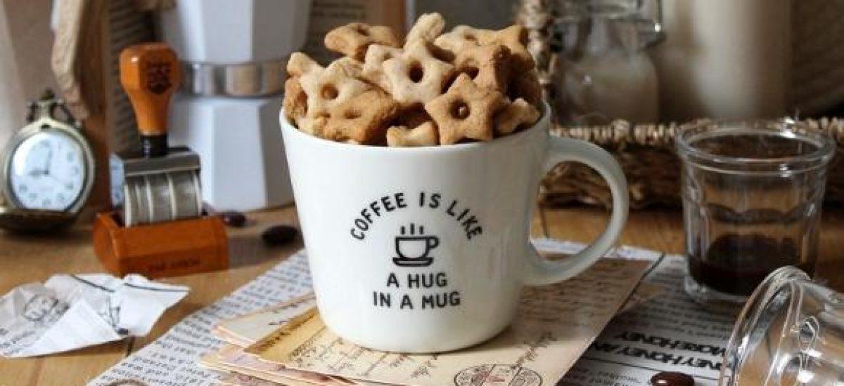 Cereali caffè latte vegetale a forma di stelle senza uova