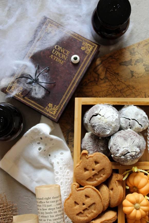 Scatola di biscotti alla zucca e cacao (cookie box) di Halloween