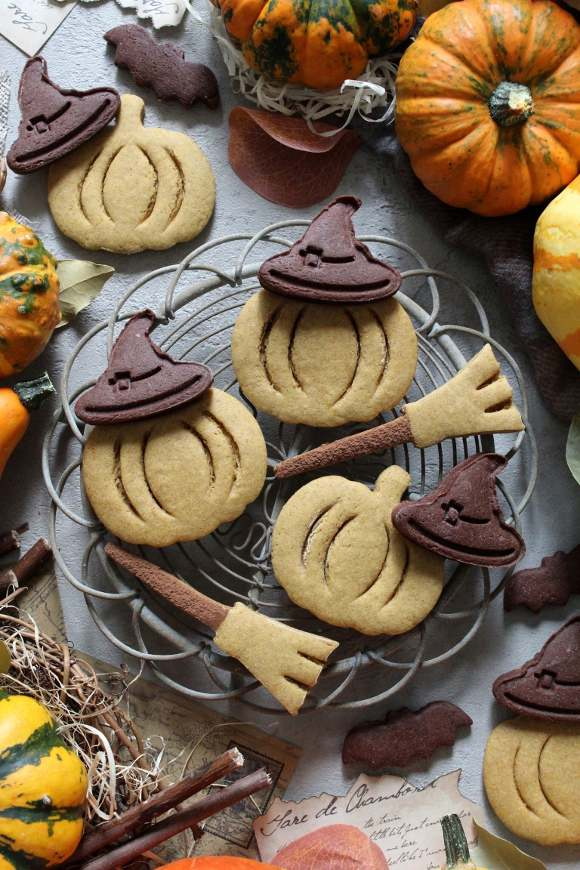Biscotti a forma di zucchetta di halloween