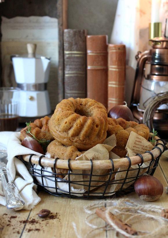 Ciambelline al forno alla zucca castagne e caffè senza uova senza burro