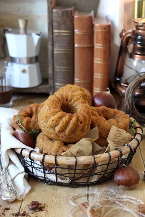 Ciambelline zucca castagne e caffè senza uova senza burro