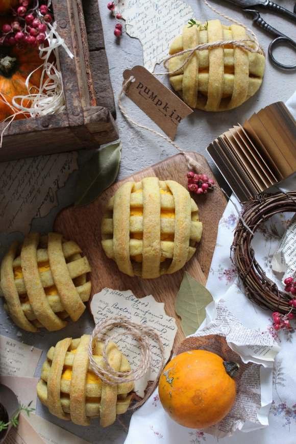 Biscotti Pie cookies salati con ripieno di zucca