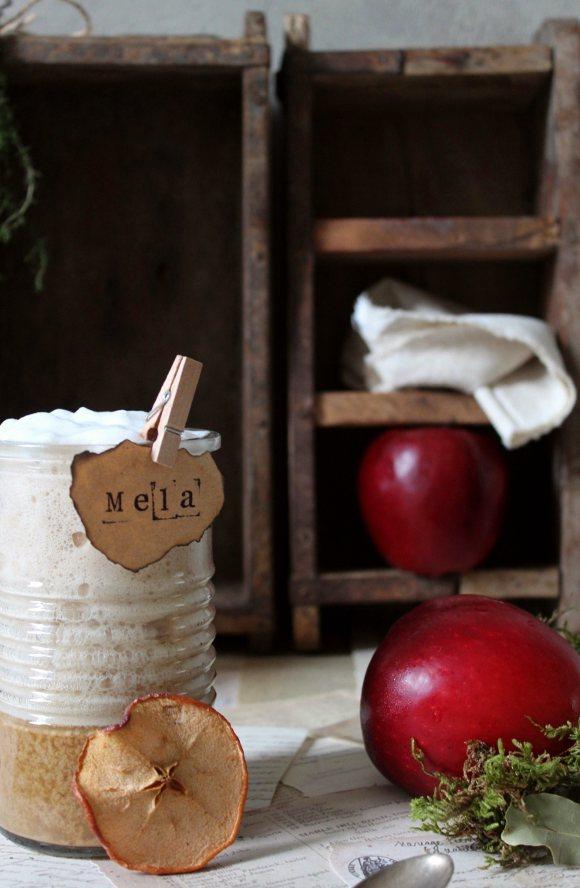 Latte speziato con purea di mela