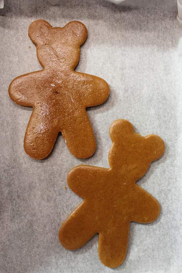 procedimento Mickey mouse (Topolino) gingerbread cookies senza uova senza burro