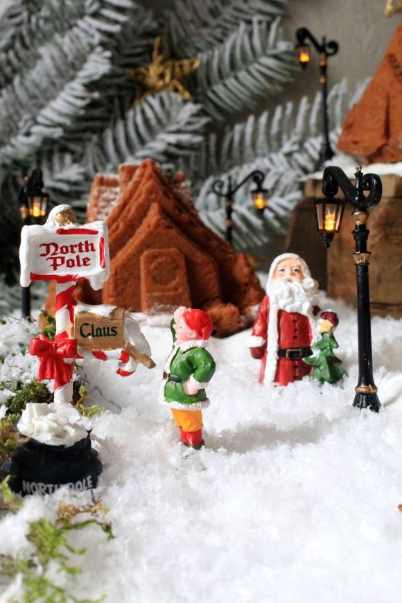 gingerbread house con purea di mela vegan del villaggio di Babbo Natale al Polo Nord