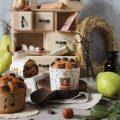 Muffins con purea di pera e gocce di cioccolato senza uova senza burro