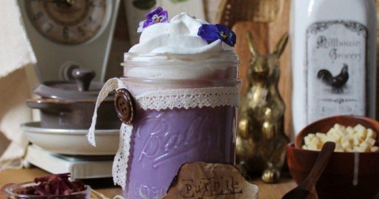 Latte alle carote viola e cioccolato bianco