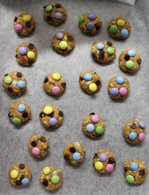 preparazione Cereali monster cookies senza uova