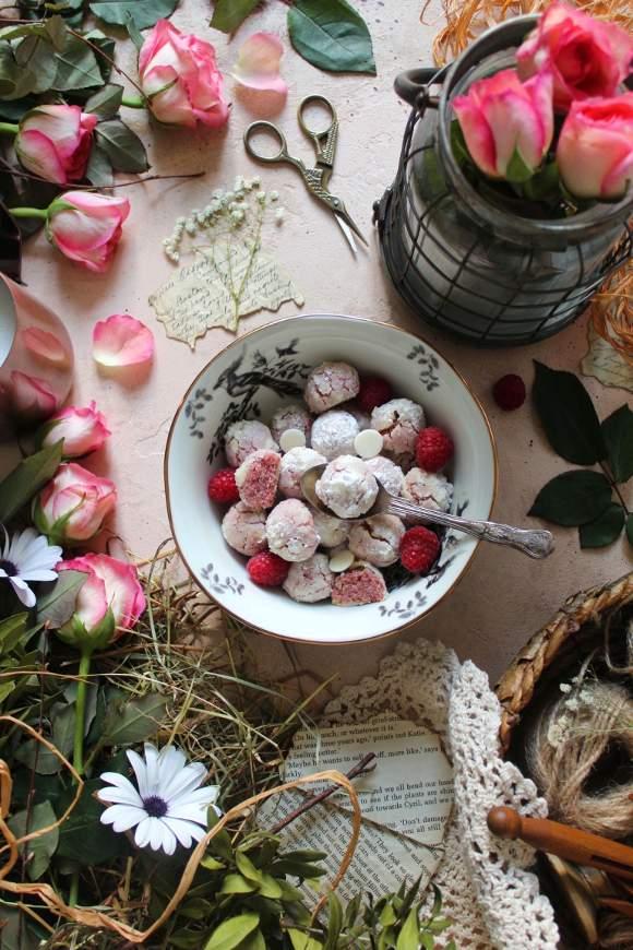 Crinkles gocce di cioccolato bianco e lamponi senza uova senza burro