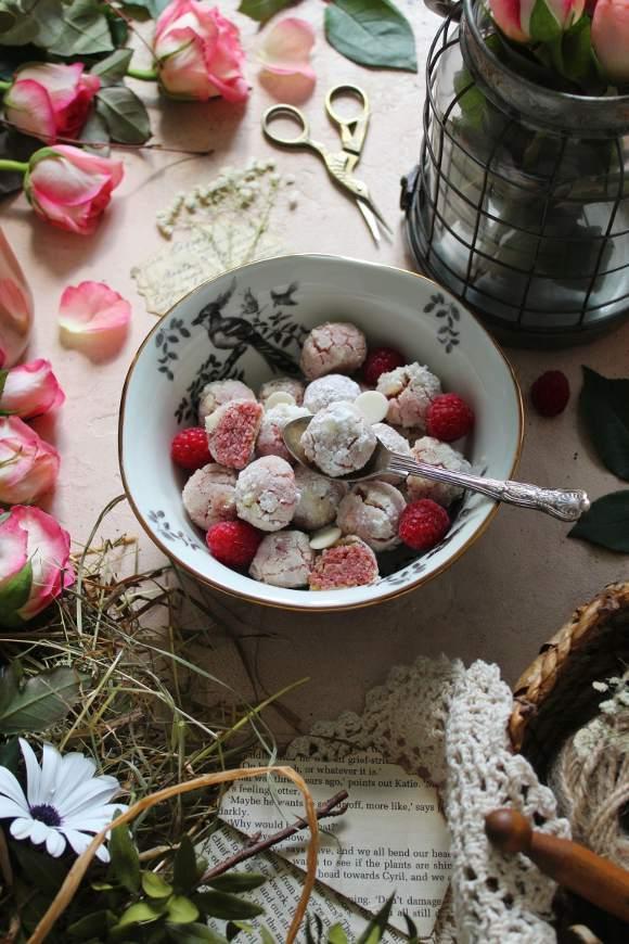 mini Crinkles gocce di cioccolato bianco e lamponi senza uova senza burro