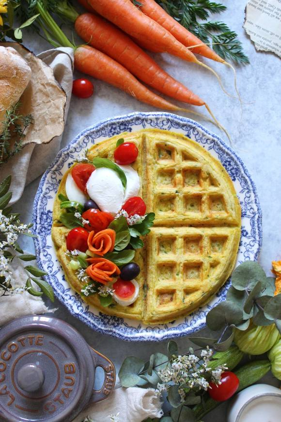 Waffles farina di carote zucchine e formaggio senza uova