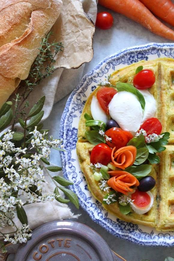 Waffle salati farina di carote zucchine formaggio con olio evo senza uova