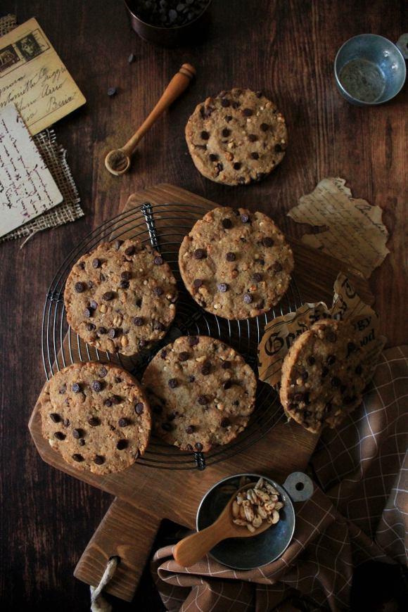 biscotti farina di orzo gocce di cioccolato e orzo soffiato con latte senza lattosio senza uova senza burro