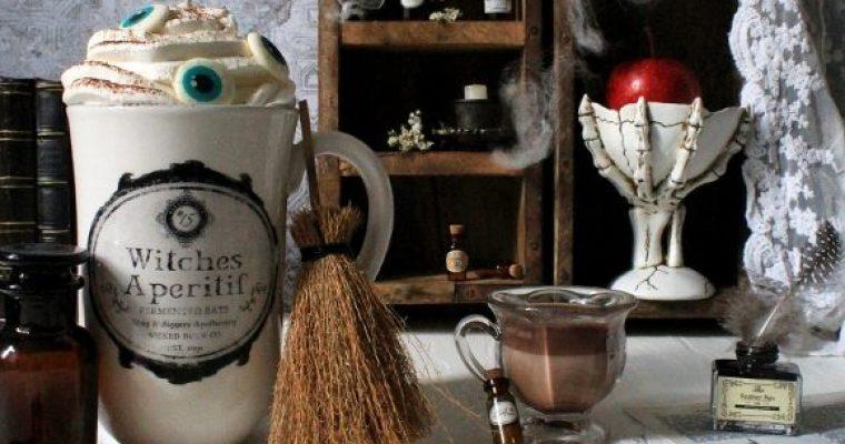 Latte caldo alla crema di nocciole e caffè di Halloween